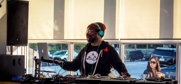 Questlove live at Yarbird Miami. Photo by Miamando